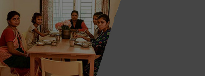 TMF Rise for good blog featured image Jan 2020 Female cancer patients interacting over a meal at Karo Home in Mumbai