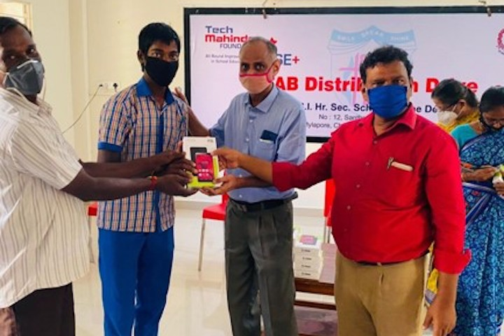 Tablet Distribution at an ARISE+ School Chennai