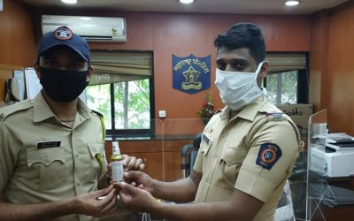 Mouth-sanitizer-provided-to-Pune-Police-v1